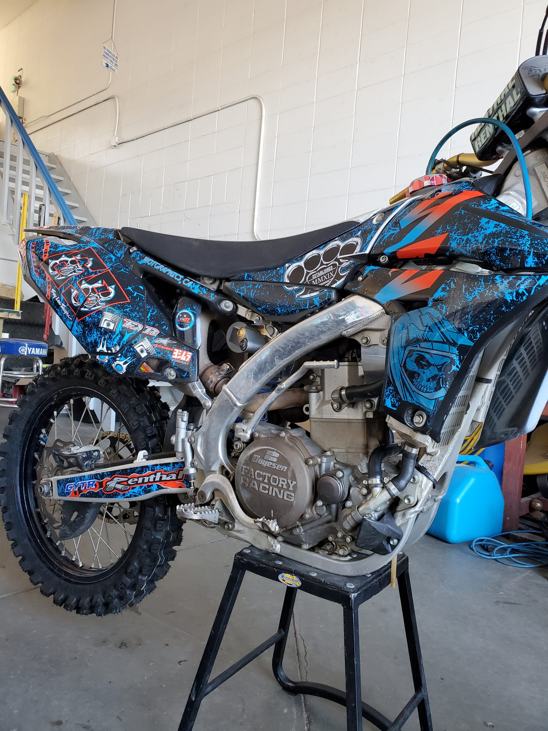 motocross wrap in blue